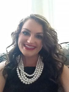 headshot of Nicole Knutson